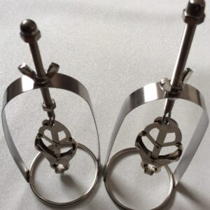 Clover clamp cages