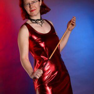 Side slit dress – red