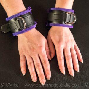 Padded wrist restraint – purple